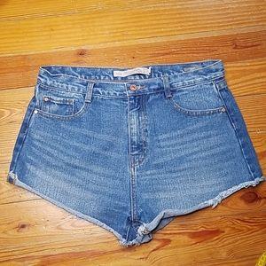 Zara Premium Wash Trafaluc Jean Shorts